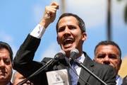 In der Hauptstadt Caracas liess sich Parlamentspräsident Juan Gaidó vom Volk als Interimspräsident vereidigen. (Bild: Keystone/EPA/Cristian Hernandez, 23. Januar 2019)
