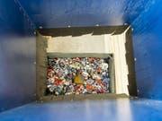 Die Schweiz gehört im europäischen Vergleich zu den eifrigsten Abfall-Produzenten. Aber auch beim Recyceln und Kompostieren sind die Eidgenossen Musterknaben. (Bild: Keystone/PATRICK HUERLIMANN)