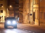 In dieser Strasse im österreichischen Ort Eisenstadt soll es zur Entführung der 88-Jährigen gekommen sein. (Bild: KEYSTONE/APA/APA/ROBERT JÄGER)