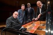 Beim Soundcheck vor dem Konzert. Von links: Kenny Barron, Benny Green, Danny Grissett und Dado Moroni. (Bilder: Boris Bürgisser, 22. Januar 2019)