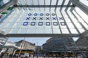 Die binäre Uhr am St.Galler Hauptbahnhof war seit ihrer Inbetriebnahme im April immer wieder ausgefallen. (Bild: Urs Bucher)
