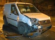 Auch der Lieferwagen wurde stark beschädigt. (Bild: Luzerner Polizei (Luzern, 24. Januar 2019))