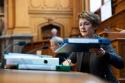 Simonetta Sommaruga wird für ihre Dossierkenntnisse bereits gelobt. (Bild: Keystone, Bern, 12. Dezember 2018)