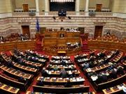 Mazedonien soll künftig «Nordmazedonien» heissen. Das griechische Parlament hat dem Vertrag zur Umbenennung des Landes zugestimmt. (Bild: KEYSTONE/AP/MICHAEL VARAKLAS)