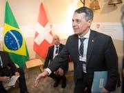 Bundesrat Ignazio Cassis hat am WEF viele Hände geschüttelt. (Bild: KEYSTONE/LAURENT GILLIERON)