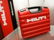 Der Liechtensteiner Baugerätehersteller Hilti ist im vergangenen Jahr kräftig gewachsen und hat einen neuen Rekordumsatz von 5,66 Milliarden Franken erzielt. (Bild: KEYSTONE/ALESSANDRO DELLA BELLA)