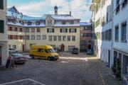 Der Goldene Boden in der Altstadt von Lichtensteig erfüllt viele Funktionen, muss nun aber saniert werden. (Bild: Sascha Erni)