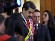 Venezuelas Präsident Nicolás Maduro hat sich am Donnerstag (Ortszeit) angesichts der Entwicklungen in seinem Land gesprächsbereit gezeigt. (Bild: KEYSTONE/EPA EFE/CRISTIAN HERNANDEZ)