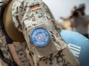 Bei der Explosion einer Mine im Zentrum Malis sind mindestens zwei Soldaten der Uno-Friedenstruppe ums Leben gekommen. (Bild: KEYSTONE/EPA DPA POOL/MICHAEL KAPPELER / POOL)