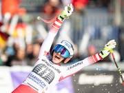 Stephanie Venier bejubelt ihren ersten Weltcupsieg (Bild: KEYSTONE/EPA/LUKAS BARTH-TUTTAS)