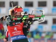 Laura Dahlmeier schaffte es im Biathlon-Weltcup in diesem Jahr zum ersten Mal ganz nach oben (Bild: KEYSTONE/EPA ANSA/ANDREA SOLERO)