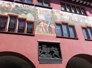 Das Innerrhoder Rathaus mit Darstellungen aus der Kantonsgeschichte. Innerrhodens Verfassung gehört zu den ältesten der Schweiz. (Bild: PD)
