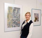 Elisabeth Schmid-Anderson aus Sax zeigt in der Rathausgalerie Frümsen ihre meist grossflächigen Aquarellbilder. (Bild: Hansruedi Rohrer)