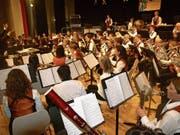 Der Musikverein Hergiswil bot ein unterhaltsames Jahreskonzert. (Bild: Kurt Liembd (Hergiswil, 25. Januar 2019))