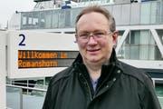 Peter Eberle am Hafen Romanshorn. (Bild: Max Eichenberger)