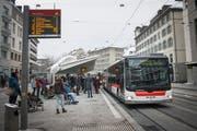 Bessere Verbindungen für Nachtschwärmer Richtung Trogen und Speicher ab dem St.Galler Marktplatz. (Bild: Ralph Ribi)