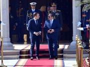 Unter dem ägyptischen Präsidenten Al-Sisi gehen die Sicherheitskräfte hart gegen Dissidenten vor. Frankreich macht trotzdem Geschäfte mit der Regierung - unter anderem im Rüstungsbereich. (Bild vom 28. Januar) (Bild: KEYSTONE/EPA EGYPTIAN PRESIDENCY/EGYPTIAN PRESIDENCY HANDOUT)