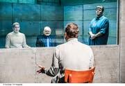 Wenn der Rektor Lehrer Rupp zum Gespräch bittet, wirkt das im Bunker wie ein Verhör. (Foto: Toni Suter / T+T Fotografie)