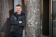 Erst war er auf den Strassen, dann auf dem Firmenareal unterwegs: Nach 39 Jahren verlässt Walter Schefer die Gossauer Braun AG. (Bild: Urs Bucher)