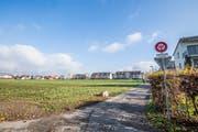 Die städtische Parzelle an der Sonnenhofstrasse, auf welcher in Zusammenarbeit mit der HGW eine Mehrgenerationensiedlung entstehen soll. (Bild: Thi My Lien Nguyen)