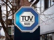 TÜV Süd in München hat die Festnahme zweier Mitarbeiter nach dem Dammbruch in Brasilien bestätigt. Das Unternehmen hat den Damm im vergangenen Jahr überprüft. (Bild: KEYSTONE/EPA/LUKAS BARTH-TUTTAS)