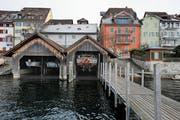 Der Boden im Bootshaus Unter Altstadt soll um 80 Zentimeter abgesenkt werden. (Bild: Stefan Kaiser (Zug, 23. Januar 2019))