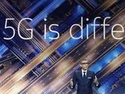 Nokia-Chef Rajeev Suri kann sich freuen: Salt hat den finnischen Netzwerkausrüster für den Bau des superschnellen Handynetzes der fünften Generation (5G) gewählt. (Bild: KEYSTONE/EPA EFE/ANDREU DALMAU)