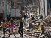 Der Tornado beschädigte in Kubas Hauptstadt Havanna ganze Strassenzüge. (Bild: KEYSTONE/AP/RAMON ESPINOSA)