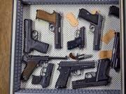 Australien hat strenge Waffengesetze. Den Tätern drohen wegen des Schmuggels bis zu zehn Jahre Haft. (Bild: KEYSTONE/MARTIN RUETSCHI)