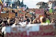Auch am 18. Januar streikten Hunderte Schüler in der ganzen Schweiz für eine engagiertere Klimapolitik. (Bild: Valentin Flauraud/EPA (Lausanne))