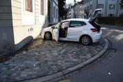 Am Auto der 25-Jährigen entstand Blechschaden. (Bild: Kapo SG)