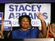 Die 45-jährige Stacey Abrams wird auf Trumps Rede zur Nation antworten. Sie ist die erste Afroamerikanerin, die diese Aufgabe übernimmt. (Bild: KEYSTONE/AP/JOHN BAZEMORE)