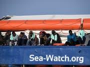 Offenbar gibt es bald eine Lösung für die Menschen an Bord der «Sea-Watch». (Bild: KEYSTONE/AP/SALVATORE CAVALLI)