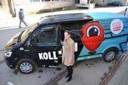 Martina Müggler von Postauto präsentiert einen «Kollibri». Bild: Stefan Dähler (Emmenbrücke, 30. Januar 2019)