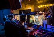 Die E-Sport-Events erhalten immer mehr Aufmerksamkeit. Für die Sponsoren ist es ein lukratives Geschäft. Bild: Andrea Stalder