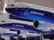 Boeing hat im vergangenen Jahr einen Gewinnsprung gemacht und will 2019 noch mehr neue Flugzeuge verkaufen. (Bild: KEYSTONE/AP/KIN CHEUNG)