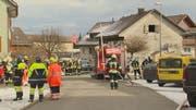 Feuerwehr, Polizei und Sanität sind ausgerückt. (Bild: BRK News GmbH)