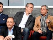 Heinz Spross (ganz rechts) hat sich bei den Grasshoppers zurückgezogen (Bild: KEYSTONE/WALTER BIERI)