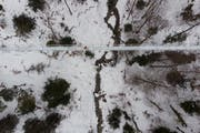 Der Weg führt 40 Meter über der Talsohle durch. (Bild Benjamin Manser, 30. Januar 2019)