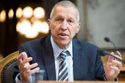 Der Krienser Konrad Graber (CVP) tritt als Ständerat zurück. Wer sich für die elf Luzerner Sitze im Bundeshaus bewirbt, kommt am 26. August aus. (Bild: Anthony Anex/Keystone)
