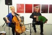 Christina Brunner und Albin Brun geben im Rahmen der Verleihung des Goldenen Uristiers ein kleines Konzert. (Bild: Urs Hanhart, Altdorf, 5. Januar 2019)