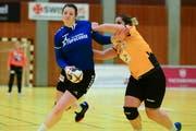 Zugs Topscorer Sibylle Scherer kann sich durchkämpfen. (Bild: Maria Schmid (Zug, 5. Januar 2019))