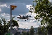 Eine F/A-18 im Anflug auf den Flugplatz Emmen. Im Sommer könnte es auch zu nächtlichen Einsätzen der Kampfjets kommen. (Bild: Pius Amrein, 4. Juli 2018)