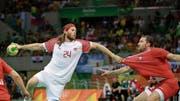 1,96 m gross, 98 kg schwer, 31-jährig: Dänemarks Starspieler Mikkel Hansen. (Bild: Matthias Schrader/keystone (Rio de Janeiro, 19. August 201)