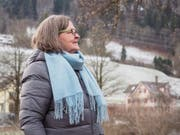 Karin Vosswinkel ist des Öfteren mit einer Klientin entlang der Thur unterwegs. Dabei lerne sie von ihrer Begleiterin auch ein paar Worte Spanisch.