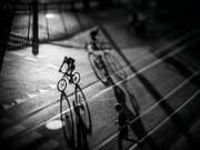 Poetisch und mit grafischen Schattenspielen: So sieht der Zürcher Fotograf Joseph Khakshouri den Hitzesommer. (Bild: Joseph Khakshouri)