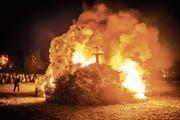 In Wittenbach will man nicht auf das Verbrennen der Christbäume verzichten. (Bild: Urs Bucher (15. Februar 2016))