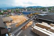 Blick auf das Chamer Pavatex-Werk für Holzfaserdämmstoffe. (Bild: PD)