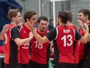Die Schweizer Volleyballer schwören sich ein (Bild: KEYSTONE/GEORGIOS KEFALAS)