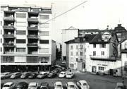 Der Hallwilerweg in den 1960er-Jahren vor der Umgestaltung. Für diese wurden die Häuser rechts abgerissen. (Bild: PD)